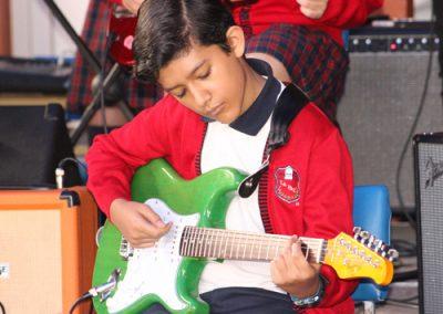 galeria-Institutolapaz-actividades-guitarra